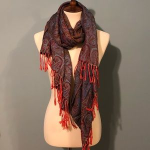 Accessories - NWOT Beautiful paisley pashmina scarf